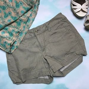 🍁 Banana Republic Size 2 Shorts